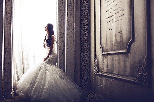 Pomoc w wyborze sukni ślubnej