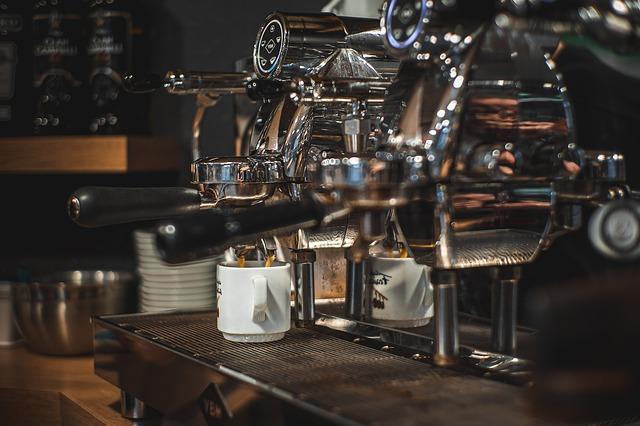 Najlepszy biznes z franczyzą — sklep czy kawiarnia?